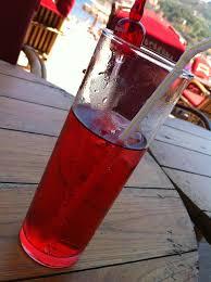 A grenadine szirup kellemes színt ad az italoknak
